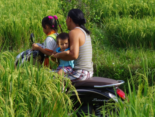 apuka-gyerek motorozik
