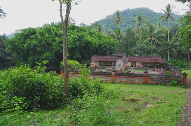 banyan és templom
