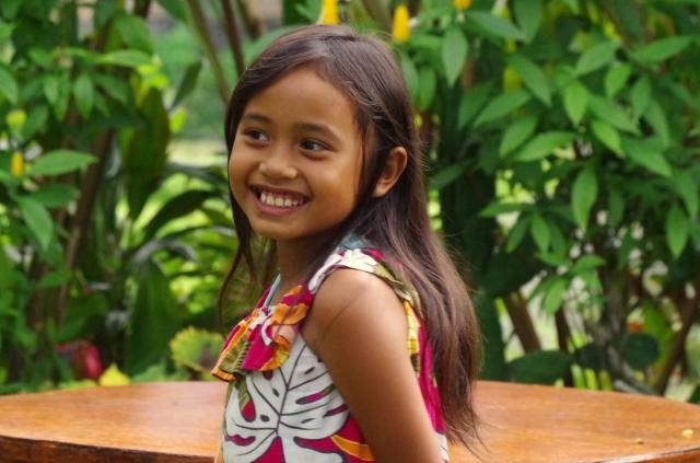 mosolygós kislány